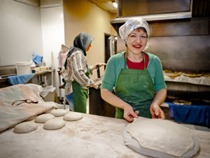 Discovery: Afghani flatbread at Alosta Bakery