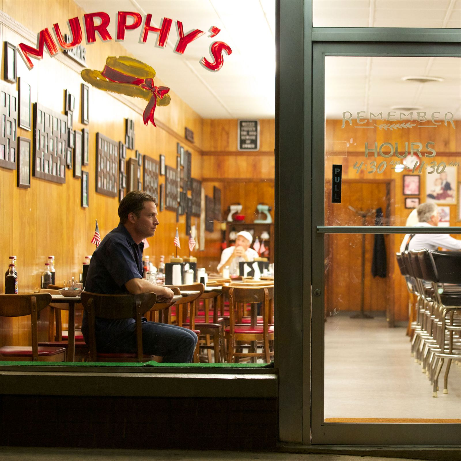 It Was Perfect I Don T Think An Art Director Could Have Even Done Such A Great Job Mckinnon Says Rectify Murphy S Restaurant Frequented By Characters