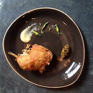 Paper-fried chicken with raw honey and mustard