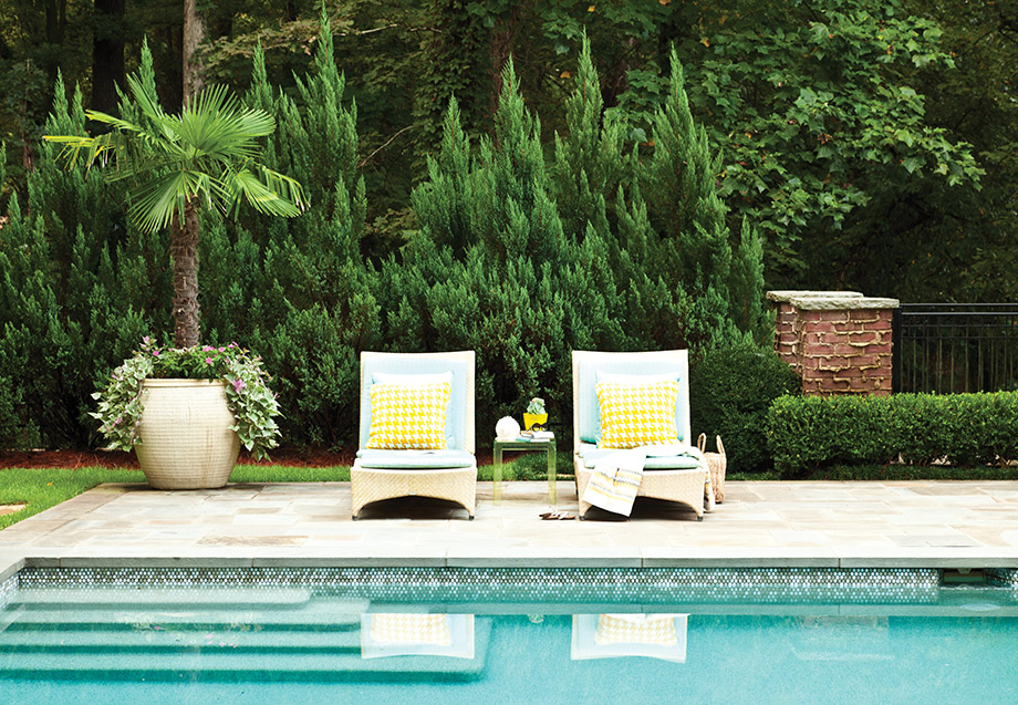 A pearl of a pool defines this Buckhead backyard