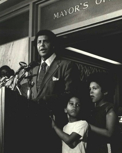 Maynard Jackson at City Hall with his children Brooke and Maynard Jackson III.