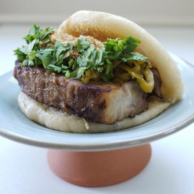 Braised pork belly bun