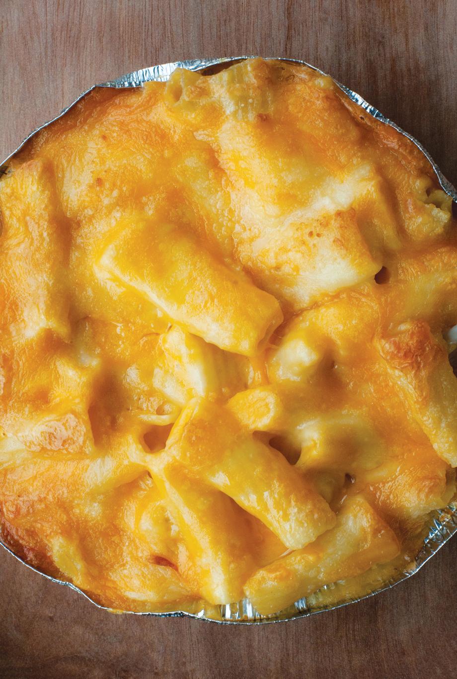 Community Q BBQ Mac and Cheese