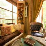 Atlanta Airbnb tree house