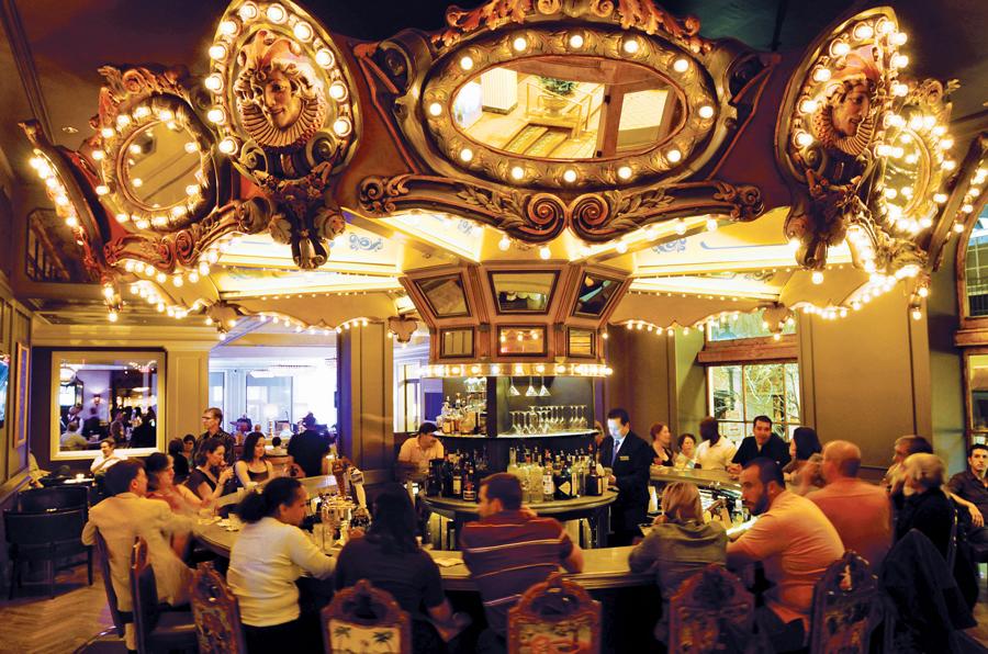 Carousel_Hotel-Monteleone2