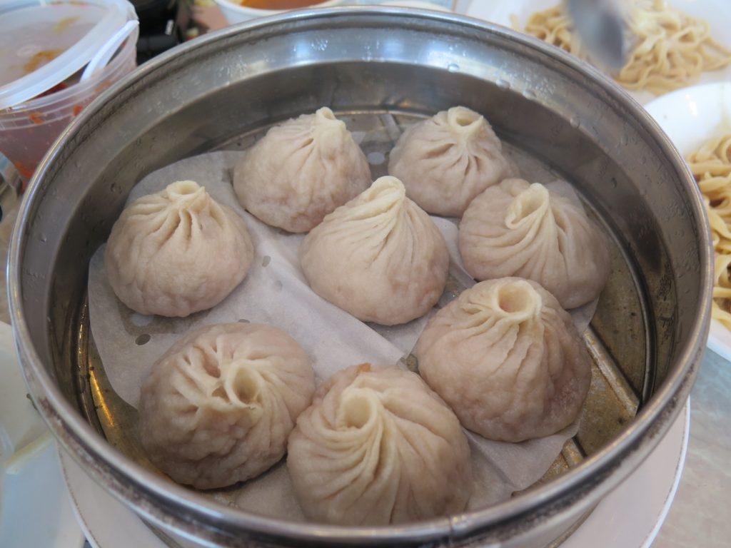 The Shanghai soup buns at Yong He Zhi Jia.
