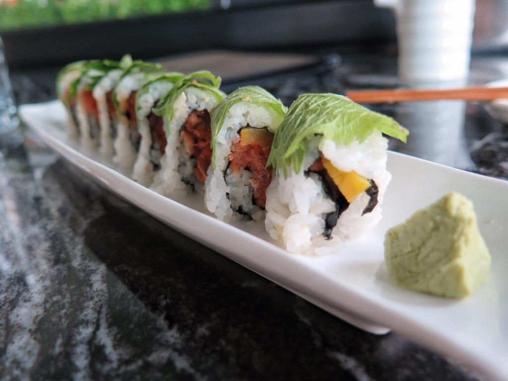 The Spicy Tuna NY roll at Taka.