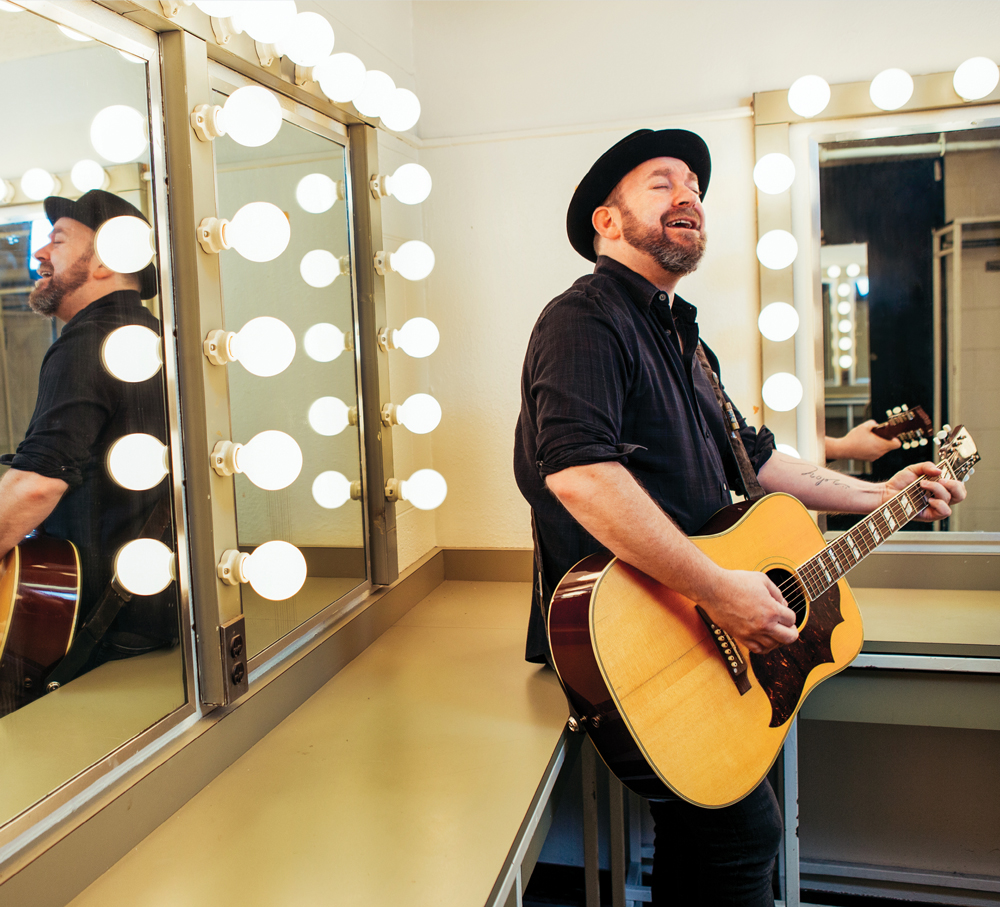 Troubador Kristian Bush