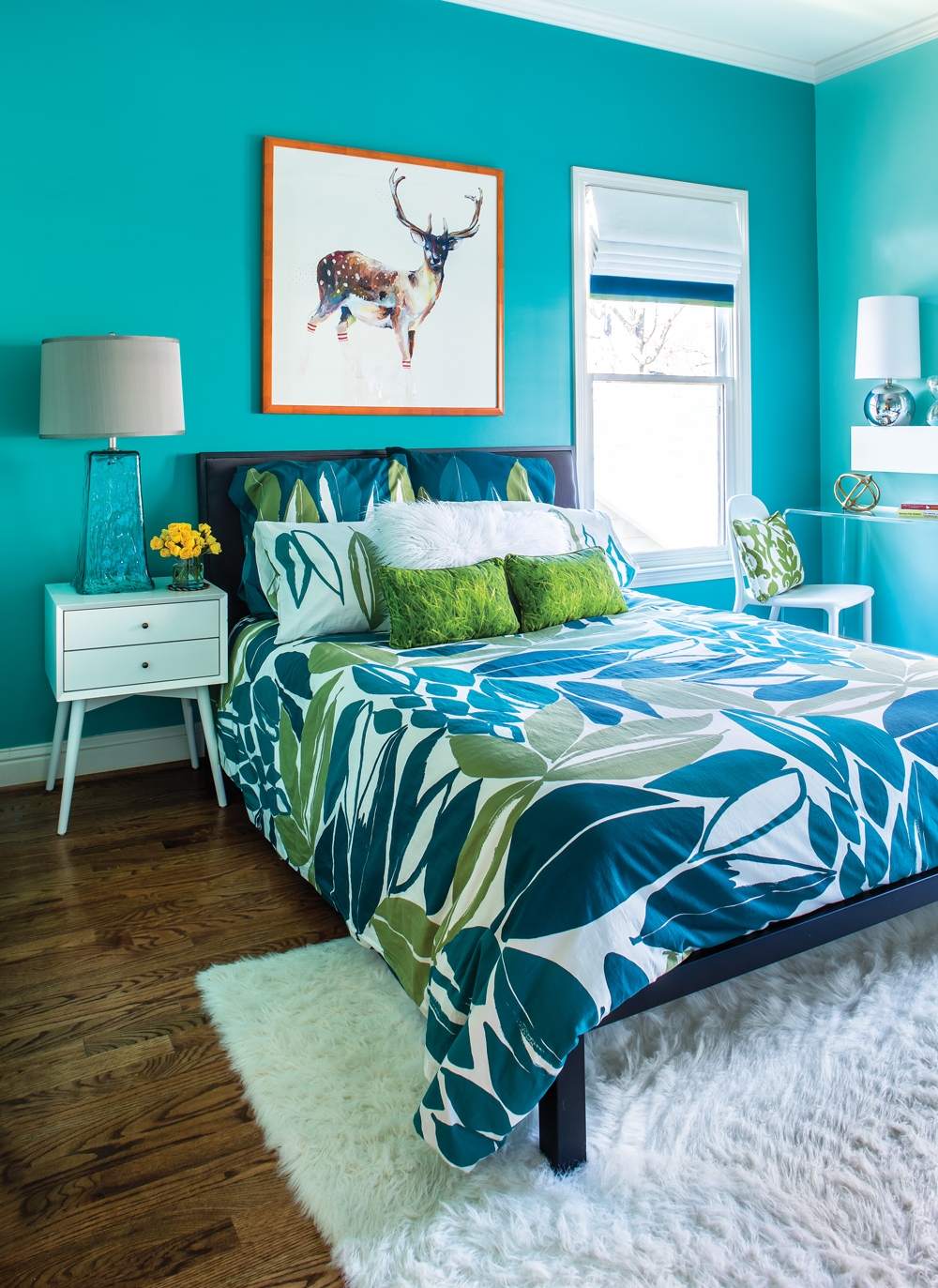 room envy this bright turquoise bedroom is a teen dream 13613 | 0217 roomenvy oneuseonly