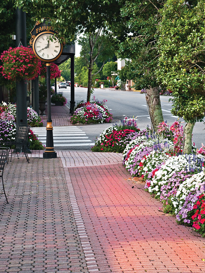 Bayside blooms make Fairhope, Alabama, shine bright