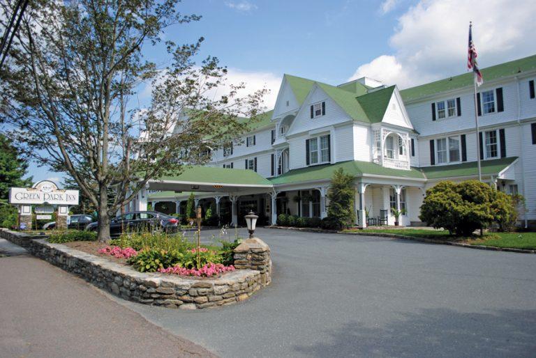Where to Stay: Spotlight on the Green Park Inn