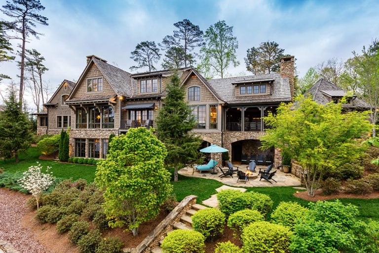 House Envy: Country music superstar Alan Jackson and wife Denise are selling their Lake Burton retreat