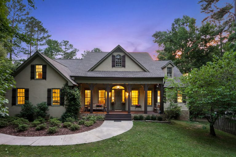 House Envy: This Chattahoochee Hills estate comes with a lake, horse barn, and riding arena