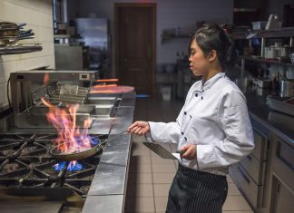 Why are there so few female chefs in Atlanta?