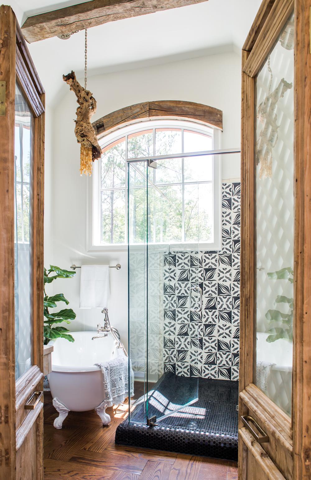 Lake Oconee bathroom