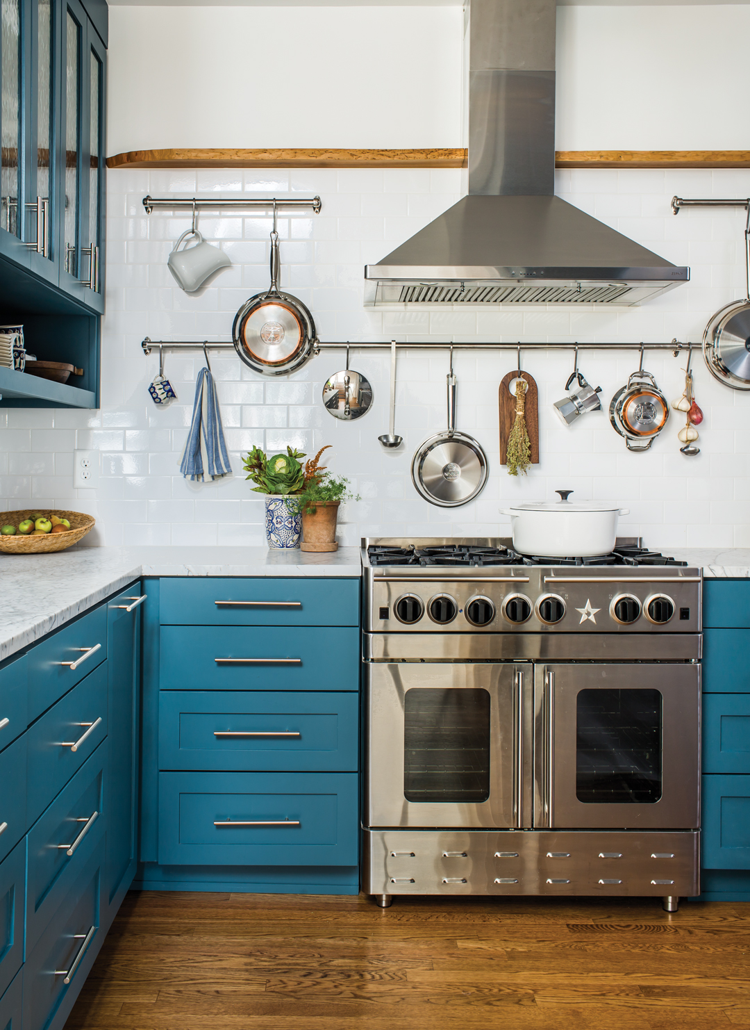 Room Envy: Yes, blue cabinetry is a thing, especially in ...