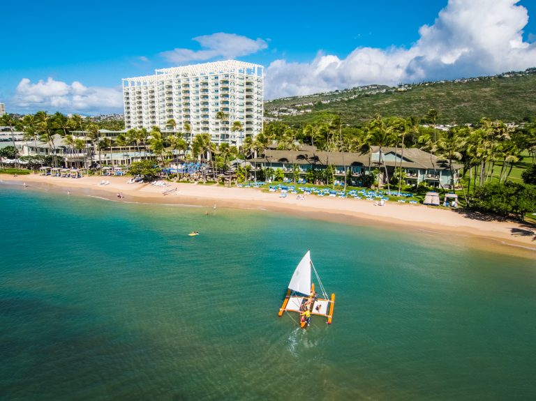 Five Ways to Vacation Like a Royal Family in Hawaii