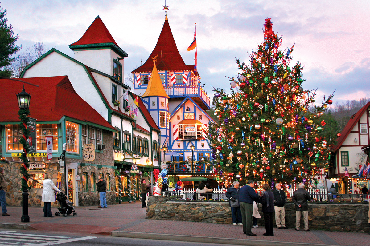 Christmas Town.Tinsel Towns Have A Holly Jolly Christmas At These Holiday