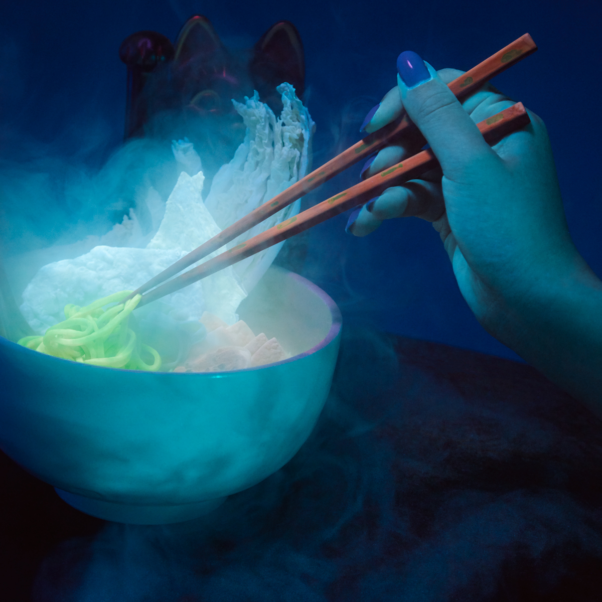 Glow-in-the-dark ramen, Nakamura.ke
