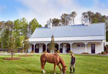 Mableton horse farm