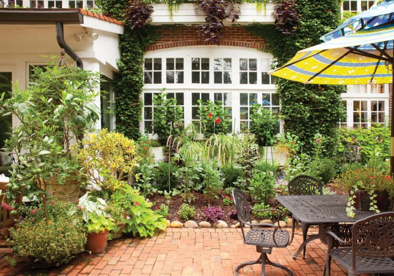 An insider's guide to creating garden rooms perfect for entertaining