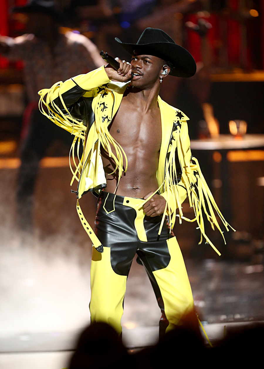 How Lil Nas X Old Town Road went viral