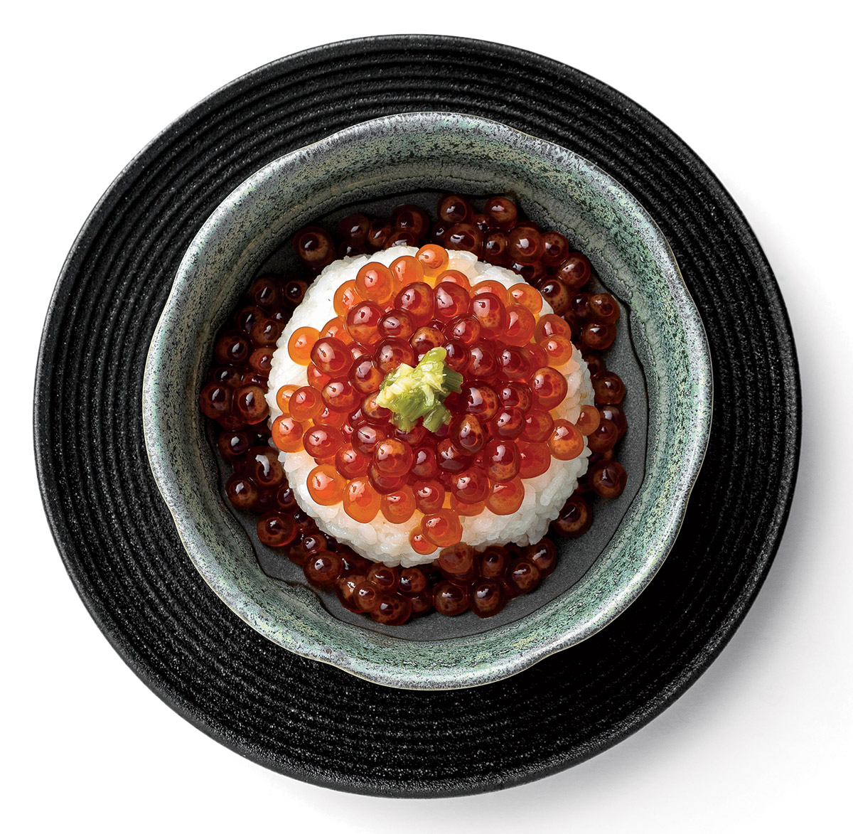 Ikura don (rice with salmon roe)