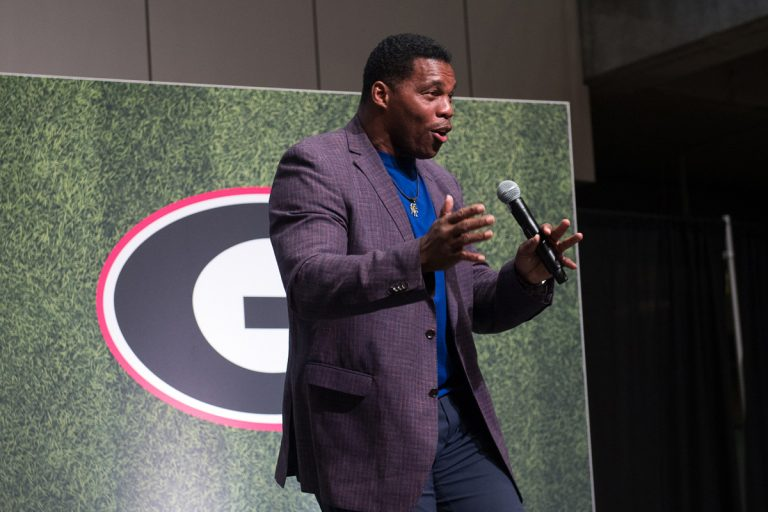 Before UGA and Notre Dame face off, two Georgia legends came to commemorate in Atlanta