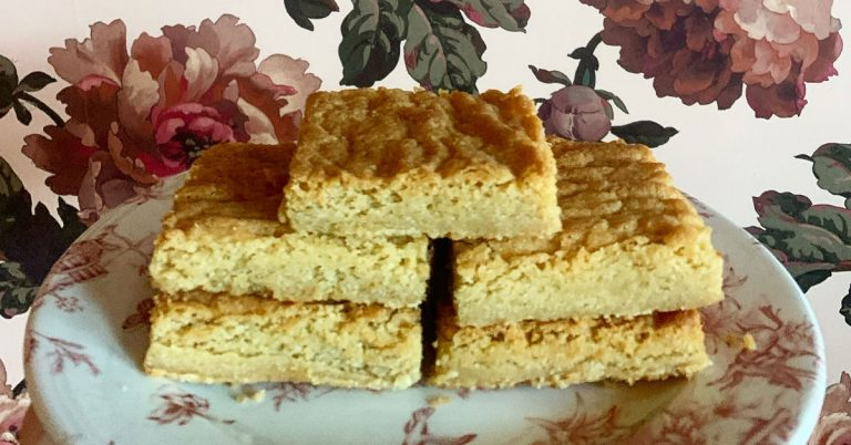 Recipe: Brown butter blondie from Tiny Lou's pastry chef Claudia Martinez