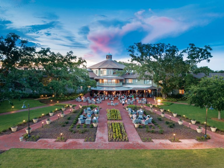 Where to Stay: The Grand Hotel Golf Resort & Spa in Point Clear, Alabama