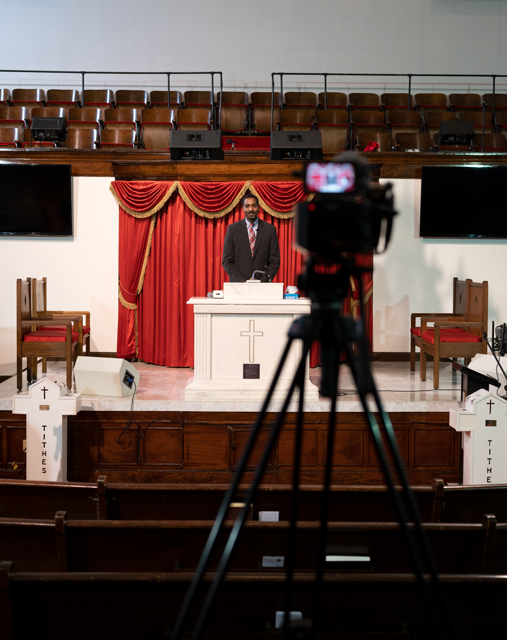 Live streaming Sunday mass via video camera