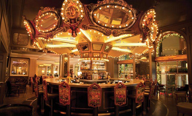 Hotel Spotlight: Hotel Monteleone in New Orleans