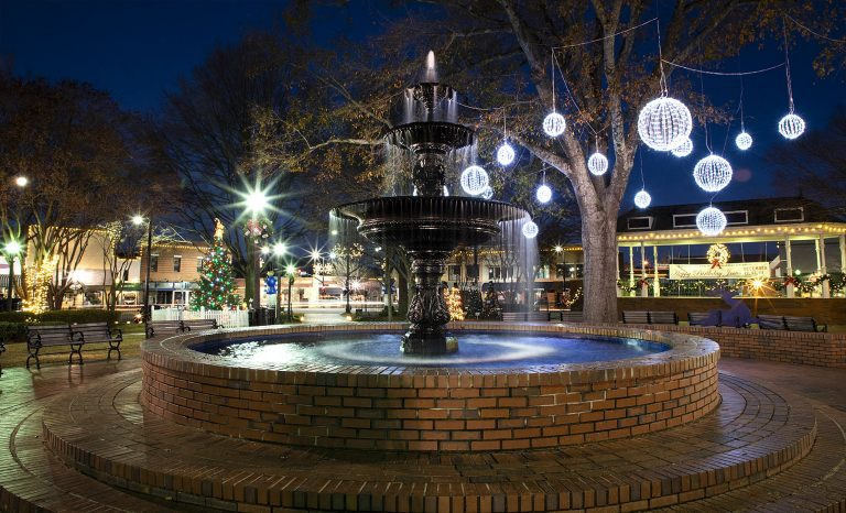 5 ways to celebrate the holidays in Marietta