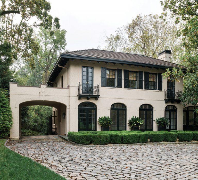 Atlanta design legends Norman Askins and Susan Bozeman bring a bit of Paris to a historic Buckhead home