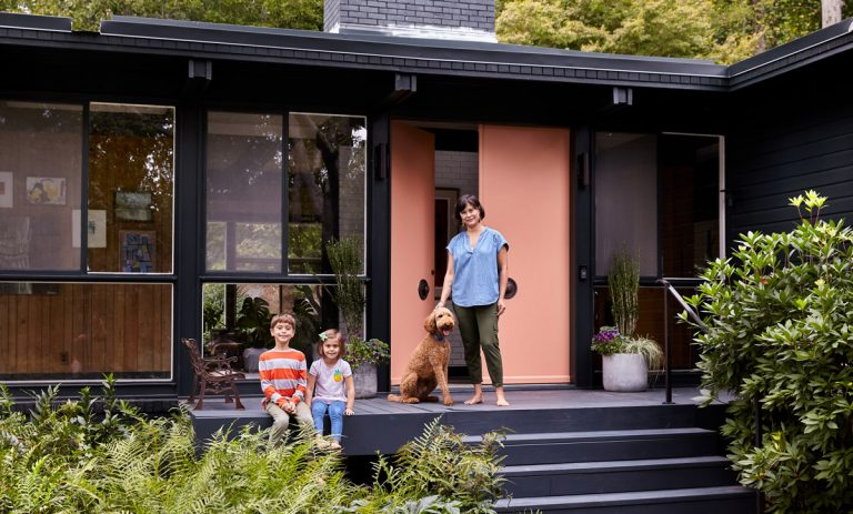 Designer Jessica Davis creates a sophisticated but playful home in a Buckhead midcentury-modern